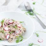 Klassisk tunsalat med dild og rødløg