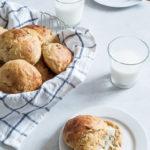 Gulerodsboller med kærnemælk og honning | bløde, saftige og luftige
