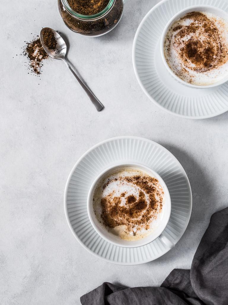 Hjemmelavet Chai Latte - opskrift på chai teblanding