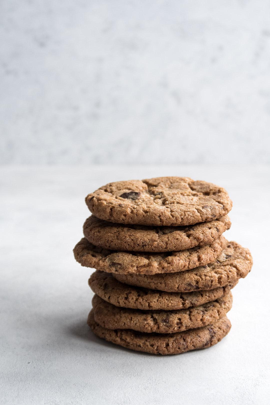 Cookies med fuldkornsspeltmel og chokolade - opskrift