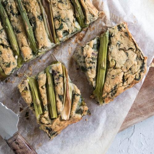 vegansk frittata eller quiche baseret på kikærter