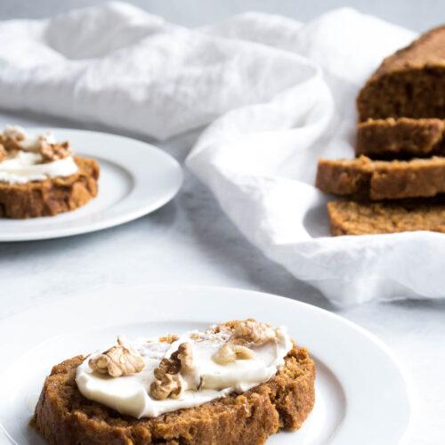 sund gulerodskage - opskrift på gulerodsbrød med flødeost