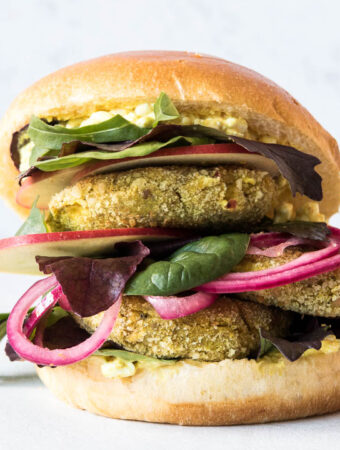 Vegetarisk curry nugget burger