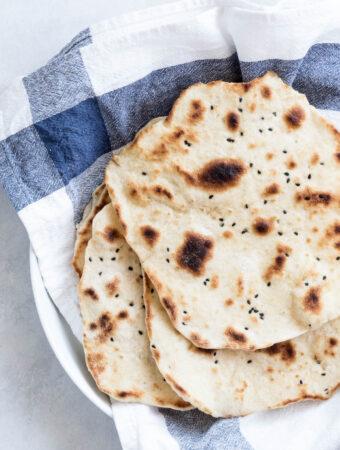 Pandestegte fladbrød - nem opskrift på naan brød