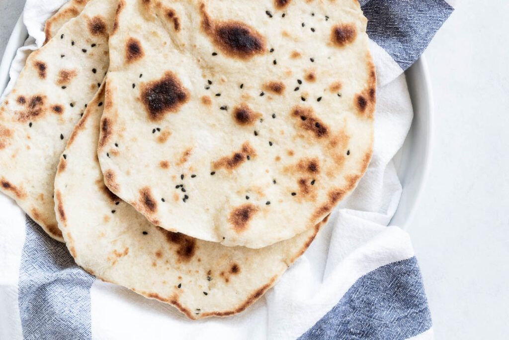 Naanbrød - opskrift på nemme, pandestegte naan