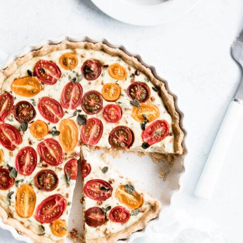 Tomattærte med ricotta og krydderurter - opskrift på tærte med tomater