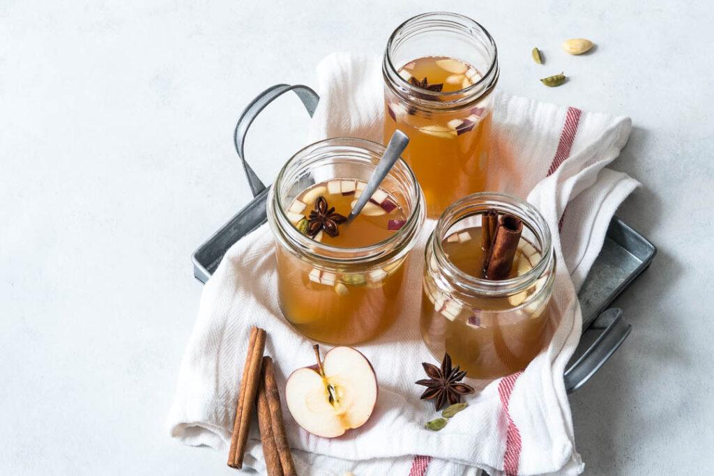 Opskrift på hvid gløgg med æble - alkolholsfri